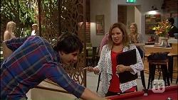 Chris Pappas, Terese Willis in Neighbours Episode 7035
