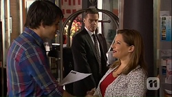 Chris Pappas, Paul Robinson, Terese Willis in Neighbours Episode 7035