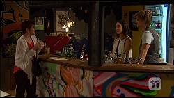 Susan Kennedy, Imogen Willis, Daniel Robinson in Neighbours Episode 7037
