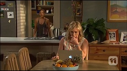 Paige Novak, Lauren Turner in Neighbours Episode 7037