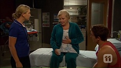 Georgia Brooks, Sheila Canning, Kyle Canning in Neighbours Episode 7039