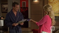 Paul Robinson, Lucy Robinson in Neighbours Episode 7040