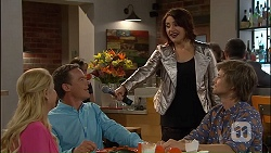 Lucy Robinson, Paul Robinson, Naomi Canning, Daniel Robinson in Neighbours Episode 7040