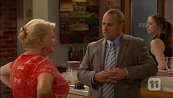 Sheila Canning, Dennis Dimato in Neighbours Episode 7043
