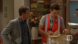 Paul Robinson, Josh Willis in Neighbours Episode 7045