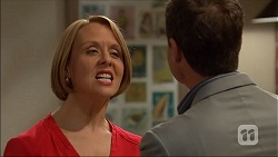 Sue Parker, Paul Robinson in Neighbours Episode 7045
