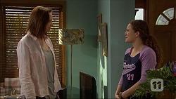 Erin Rogers, Cat Rogers in Neighbours Episode 7045