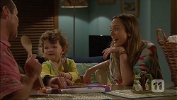 Toadie Rebecchi, Nell Rebecchi, Sonya Mitchell in Neighbours Episode 7046