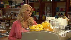 Lucy Robinson in Neighbours Episode 7048