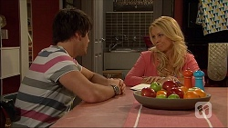 Chris Pappas, Lucy Robinson in Neighbours Episode 7048