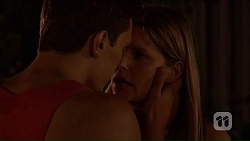 Josh Willis, Amber Turner in Neighbours Episode 7049