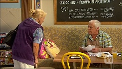 Sheila Canning, Lou Carpenter in Neighbours Episode 7050