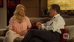 Lucy Robinson, Paul Robinson in Neighbours Episode 7050