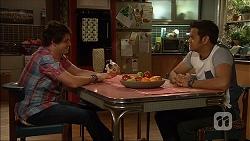 Chris Pappas, Nate Kinski in Neighbours Episode 7050