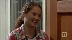 Cat Rogers in Neighbours Episode 7052