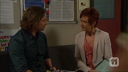 Brad Willis, Susan Kennedy in Neighbours Episode 7052
