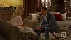Lucy Robinson, Paul Robinson in Neighbours Episode 7053
