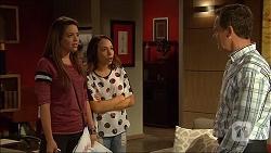 Paige Novak, Imogen Willis, Paul Robinson in Neighbours Episode 7054
