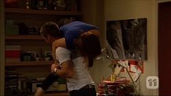 Mark Brennan, Naomi Canning in Neighbours Episode 7057