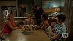 Lauren Turner, Amber Turner, Matt Turner, Paige Novak, Bailey Turner in Neighbours Episode 7058