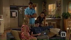 Matt Turner, Lauren Turner, Bailey Turner, Paige Novak in Neighbours Episode 7058