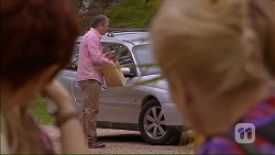 Susan Kennedy, Karl Kennedy, Sheila Canning in Neighbours Episode 7059