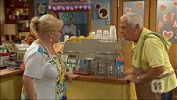 Sheila Canning, Lou Carpenter in Neighbours Episode 7060