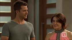 Mark Brennan, Naomi Canning in Neighbours Episode 7061