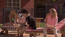 Amber Turner, Bailey Turner, Lauren Turner in Neighbours Episode 7062