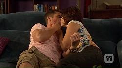 Mark Brennan, Naomi Canning in Neighbours Episode 7066