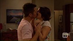 Mark Brennan, Naomi Canning in Neighbours Episode 7067