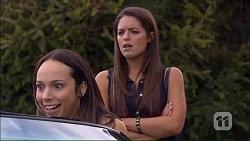 Imogen Willis, Paige Novak in Neighbours Episode 7067