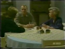 Scott Robinson, Jim Robinson, Helen Daniels in Neighbours Episode 0298