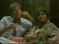 Tony Chapman, Zoe Davis in Neighbours Episode 0298