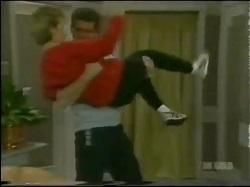 Daphne Clarke, Des Clarke in Neighbours Episode 0298
