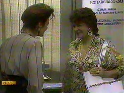 Gail Robinson, Gloria Lewis in Neighbours Episode 0868