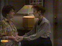Gloria Lewis, Gail Robinson in Neighbours Episode 0868
