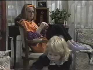 Melanie Pearson, Sky Mangel in Neighbours Episode 1488