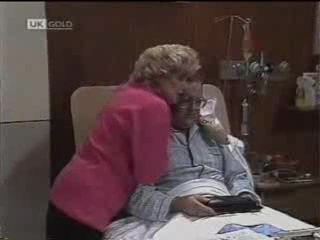 Madge Bishop, Harold Bishop in Neighbours Episode 1488