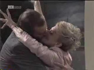 Michael Daniels, Helen Daniels in Neighbours Episode 1488