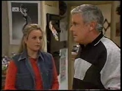 Lauren Turner, Lou Carpenter in Neighbours Episode 1966
