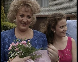 Cheryl Stark, Julie Robinson in Neighbours Episode 2068
