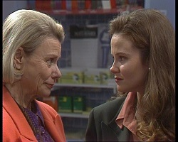 Helen Daniels, Julie Robinson in Neighbours Episode 2240