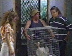 Hannah Martin, Cliff (Delivery Man), Toadie Rebecchi, Murray in Neighbours Episode 2769