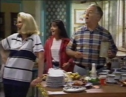 Madge Bishop, Susan Kennedy, Harold Bishop in Neighbours Episode 2771