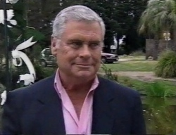 Lou Carpenter in Neighbours Episode 2798