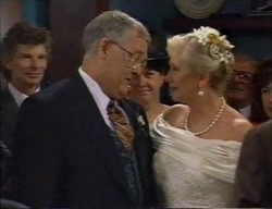 Harold Bishop, Madge Bishop in Neighbours Episode 2798