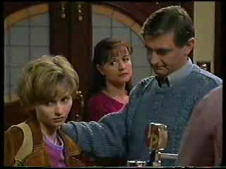 Jamie-Lee Duggan, Susan Kennedy, Joe Duggan in Neighbours Episode 2894