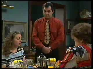 Debbie Martin, Karl Kennedy, Marlene Kratz in Neighbours Episode 2894