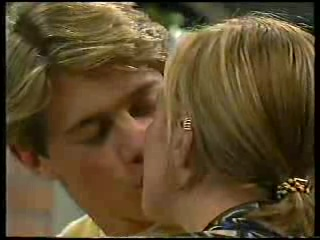 Lance Wilkinson, Amy Greenwood in Neighbours Episode 2894